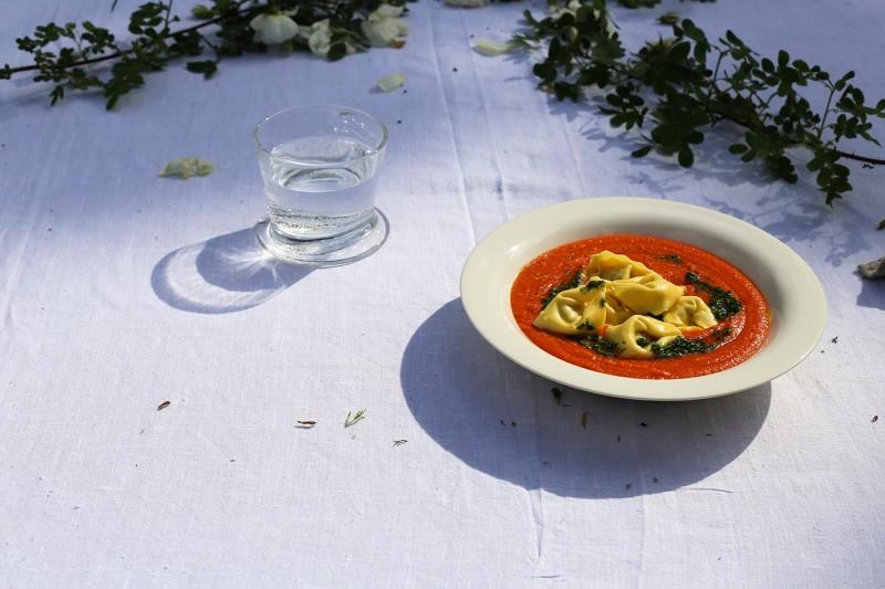 tomaattikeitto-ja-tortellinit